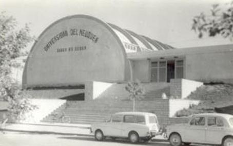 Universidad 1972 v